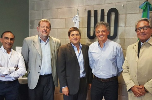 Gámbaro, en marzo, junto al ministro de la Producción, Francisco Cabrera